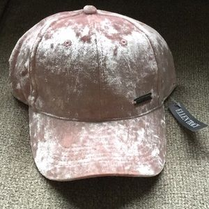 Ellen Tracy new with tags velvet pink hat